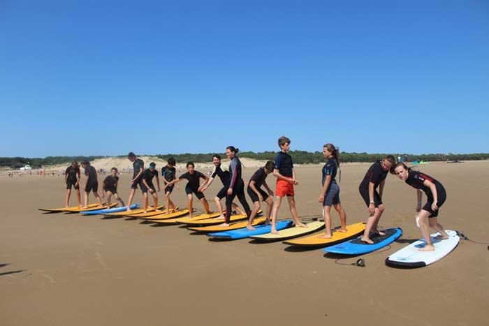 Entraînement au surf sur le sable