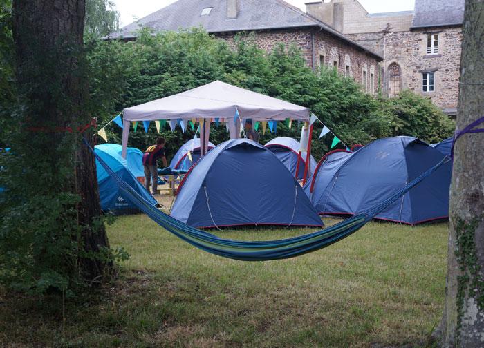 Les toiles de tentes des pré-ados