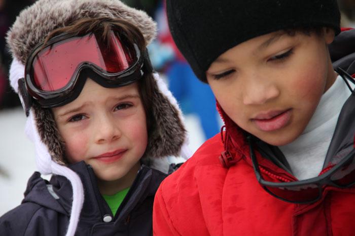 Equipement des enfants pour des vacances à la neige