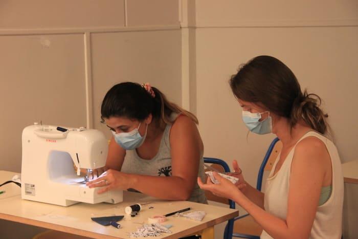Atelier couture le samedi matin... qui a continué tout le week-end pour les plus ambitieux.