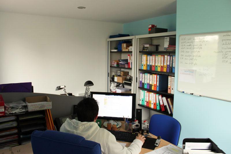 Un des bureaux du siège de Wakanga