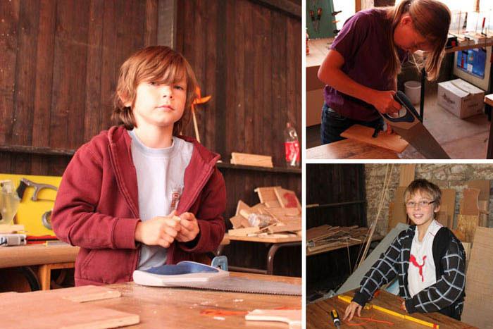 Petits bâtisseurs à l'atelier bois