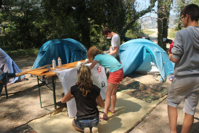 Activité graff sur le camp