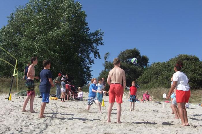 Tournoi de sport sur la plage