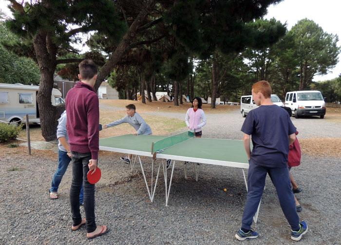 Les jeux à l'intérieur du camping